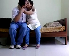 Mature Indian couple hot kissing mms